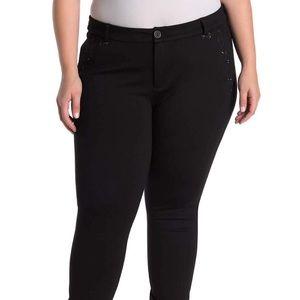 KUT from the Kloth black slim leg jeans